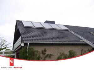 August Kahl installiert Solarkollektoren